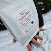Představujeme 👉☕Christmas Blend  2020☕👈 Ano, už zase budou Vánoce ❄️☃️🌲👀? A co jsme letos vymysleli🤔? ♥️Rwanda Nova Natural♥️, 👌El Salvador La Joya Washed👌 a 👉Brazil Mogiana Natural👈 . Hodnocení necháme na vás 😜🧐 Tak co, dáme si kafe? 😏☕👌 . . . #sicafe #sicafecz #prazirnakavy #prazirnajablunkov #jablunkov #espresso #czechcoffee #christmas #coffeeblend #vanoce #darek #prazirna #damesicafe #naturalcoffee #rwanda #elsalvador #brazil #vanocnismes #kava #coffee