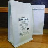 👉☕oříšky kešu, mléčná čokoláda a trocha třešní☕👈 , to je ve zkratce naše další novinka, a zároveň tip na lahodné a sladké espresso: promytý Red Bourbon ze salvadorské farmy La Joya. Dáme sicafe? 👌😋🥰💕 . . . #sicafe #sicafecz #prazirnakavy #prazirnajablunkov #jablunkov #coffeeroasters #coffee #kava #arabica #arabika #damesicafe #praziaren #elsalvador #fincalajoya #prazirna #espresso  #czechcoffee #prazime