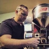 Spojení řemesla ⚙️👌a techniky 🧮📺, i to je ☕♥️ SICAFE ♥️☕ . . . . . #sicafe #sicafecz #prazirnakavy #prazirnajablunkov #prazirna #coffeespecialty #coffee #coffeeroasters #coffeeroasting #coffeeroastery #jablunkov #prazime #kava #vyberovakava #prazeni #prazenikavy